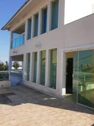 Ampla casa no Centro de Itaguaí com 4 quartos, sendo 1 suíte. Residencial ou comercial.