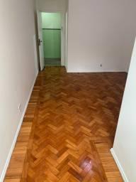 Título do anúncio: Apartamento para venda possui 68 metros quadrados com 2 quartos em Flamengo - Rio de Janei