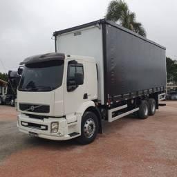 Título do anúncio: Caminhão Truck Volvo Vm260 6x2 Carroceria Sider 2011 Vm 260 #Com Sinal De R$23.000,00