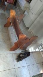 Vendo mesa de vidro, pé de madeira maciça