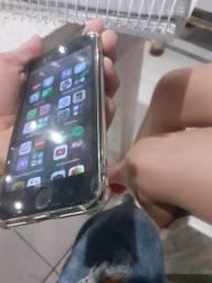 Título do anúncio: Vende se iPhone 7 700 128 gigas