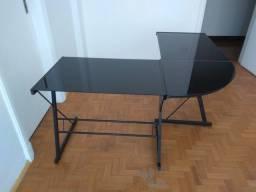 Mesa de escritório em L de vidro