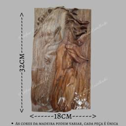 Quadro Cavalo entalhado em madeira nobre