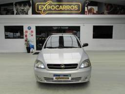 Chevrolet Corsa Sedan  Maxx 1.8 - Ano 2005 - Financiamento Fácil