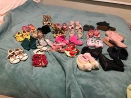 Título do anúncio: Sapatos de bebê diversos tamanhos