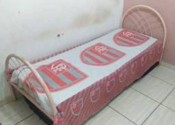 Cama de solteiro rosa