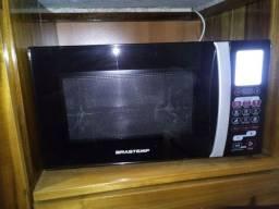 Microondas e forno Brastemp