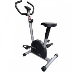 Bicicleta Ergométrica Mecânica Kikos Black-Supreme Hc 3015 Com Monitor - Prata/Preta