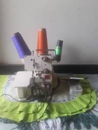 Máquina de overloque semi usada