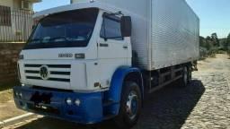 Caminhão truck baú 23-220
