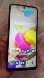 Título do anúncio: Lindo smartphone da LG K52 novo na caixa