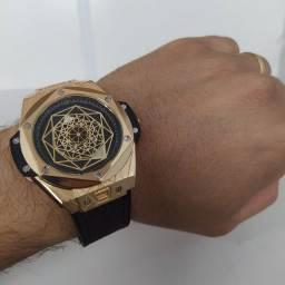 Título do anúncio: Relógio Hublot - R$ 175 - ENTREGA GRÁTIS