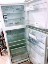Conserto todos os tipos de geladeira