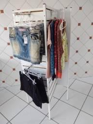 Título do anúncio: Expositor de roupas e acessórios, super novo, da Expometal, com 4 painéis.