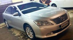 Toyota Camry impecável troco por veículo de menor valor - 2013