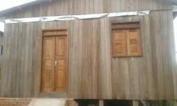 Vendo ou alugo casa em brasileia
