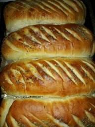 Pão caseiro tradicional e recheado