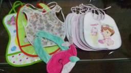 Sapatinhos, toucas, chapeuzinhos, lençol, fronha, toalha e mantas para bebê Menina