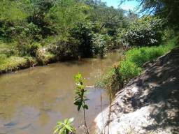 Vinte mil metros plano com rio no fundo-terra de cultura- ainda tem água e luz-50 km de BH