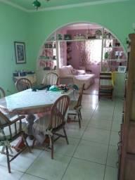 Linda casa no Gulf - Comendador Levy Gasparian - RJ