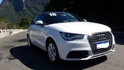 Audi A1 muito novo