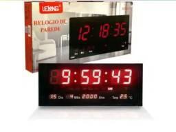 Relógio de Parede Led Vermelho Digital LE-2112 Lelong Temperatura Calendário<br>