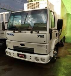 Ford cargo 712 baú refrigerado 3/4
