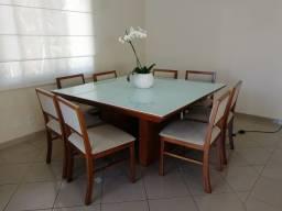 Mesa de Jantar 1,50x1,50 com 8 cadeiras