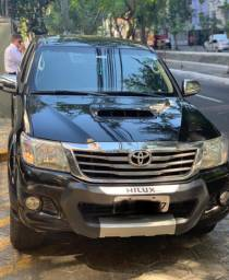 Toyota Hilux SRV único dono.