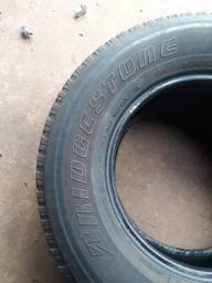 Pneu Aro 16 Bridgestone 265/70R16 - Dueler H/T Dourados-MS
