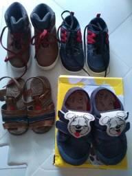 Desapego de sapatos tamanho 24 e 26