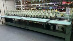 Maquina de bordar industrial tajima