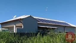 Casa 3 quartos, perto da praia, móveis planejados e energia solar. JF 3003
