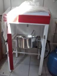 Máquina de fazer salgados e doces degust