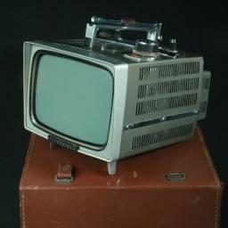 Tv portátil da marca Japonesa Mitsubishi década de 1960/70