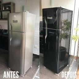 Envelopamento de geladeira cor Black piano