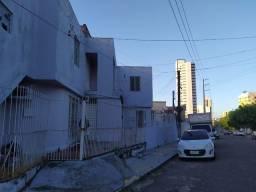 Título do anúncio: Casa | 254 m² | 6 quartos | Centro