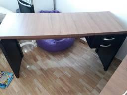 Título do anúncio: Vendo 3 mesas e 3 cadeiras de escritorio