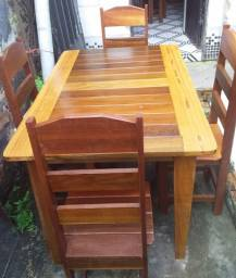 mesa nova com 4 cadeiras, madeira angelim e muiracatiara
