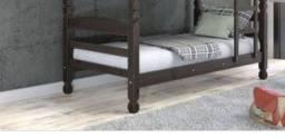 Vendo cama de solteiro, super conservada,  vai com um colchão