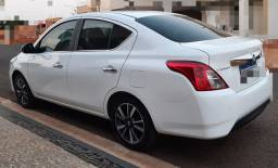 Nissan Versa 1.6 completo 2017/2018
