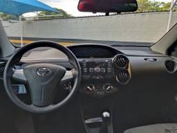 Título do anúncio: Etios x 1.5 sedan 2014, pneus novos 2021 pagos