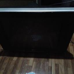 Vendo TV para consertar