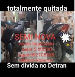Vendo moto semi nova sem débitos ao Detran totalmente quitada 5000,00  *