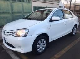 Título do anúncio: Toyota Etios Sedan 2014 1.5 completo impecável