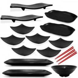 Kit com 16 Peças para Sushi em Melamina / Plástico com Travessas Pratos e Hashis - NOVO