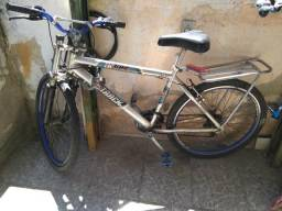 Bicicleta de alumínio cromado