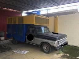 Caminhão trio elétrico - 1983