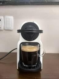 Cafeteira Nespresso Inissia em ótimo estado