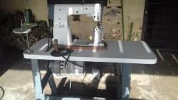 Vendo Barbada Maquina de costura pfaff 461 industria